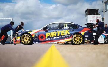 Scalextric BMW 330I M-Sport - BTCC 2019 - Andrew Jordan - C4194